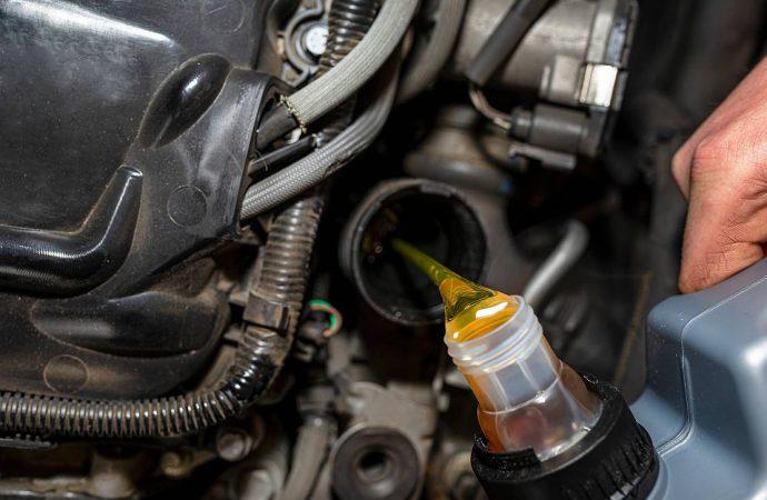 Na czym polega wymiana oleju w aucie?
